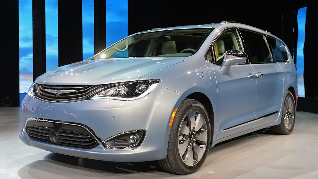 Production Truck: 2017 Chrysler Pacifica