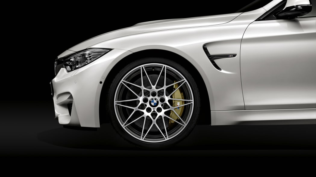 2016 BMW M4 Competition Package front detail wheel fender
