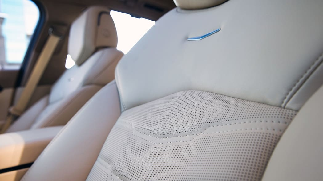 2016 Cadillac CT6 seat details