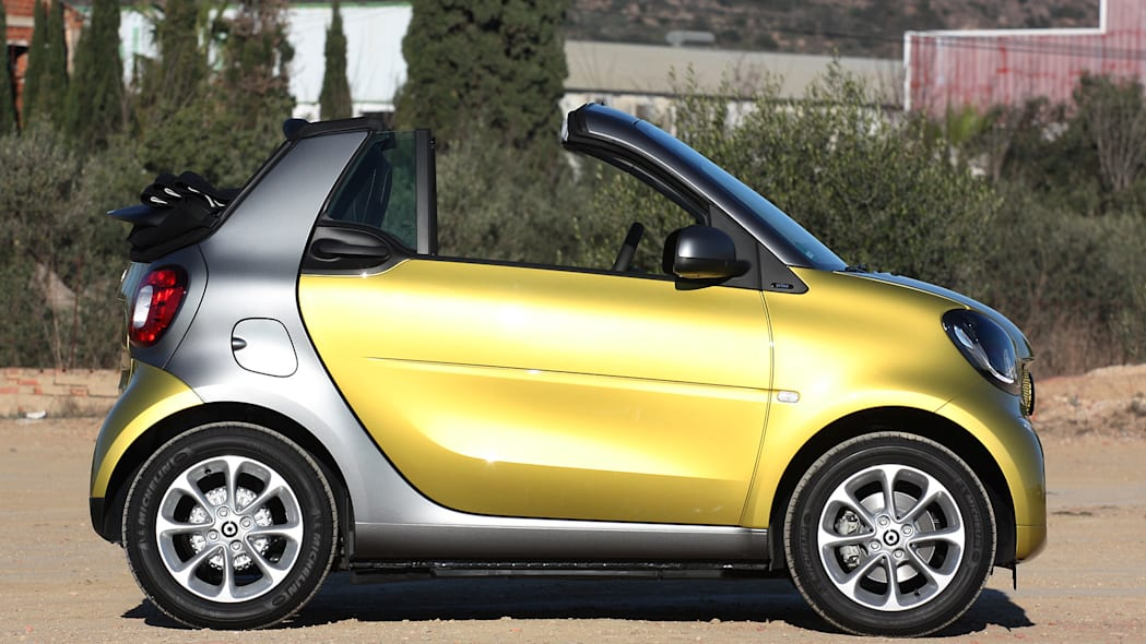 2017 Smart ForTwo Cabriolet side view