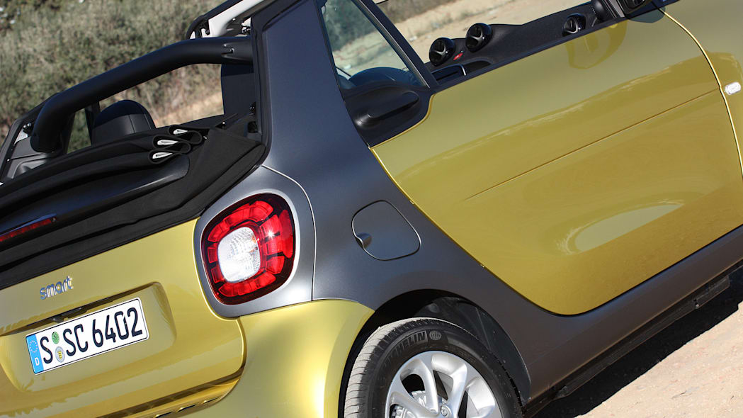 2017 Smart ForTwo Cabriolet rear fender