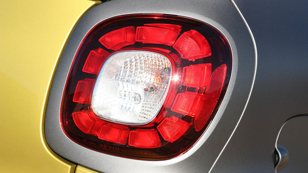 2017 Smart ForTwo Cabriolet taillight
