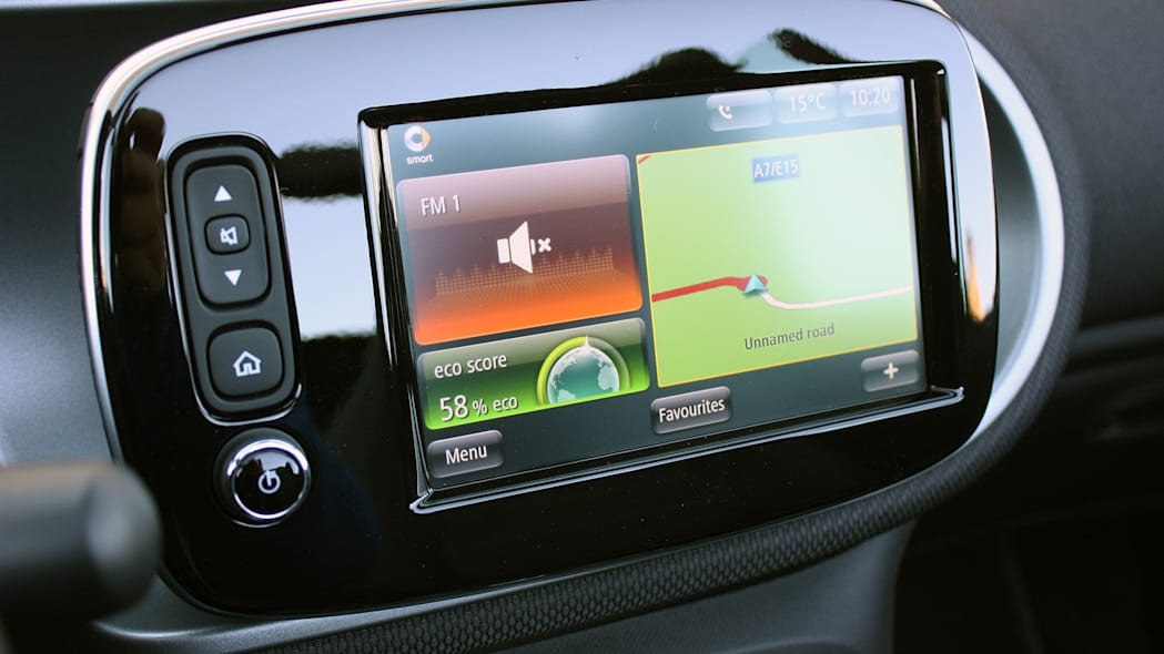 2017 Smart ForTwo Cabriolet infotainment system