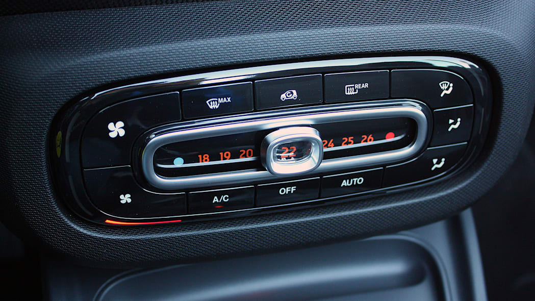 2017 Smart ForTwo Cabriolet climate controls