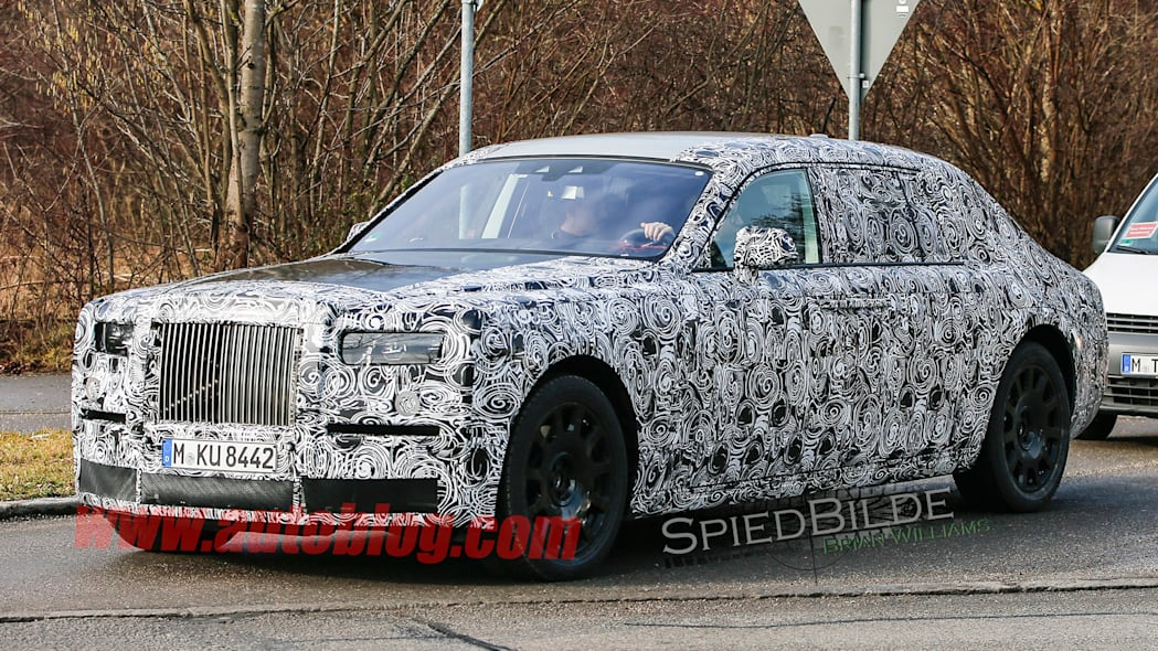rolls-royce spy shots phantom camo