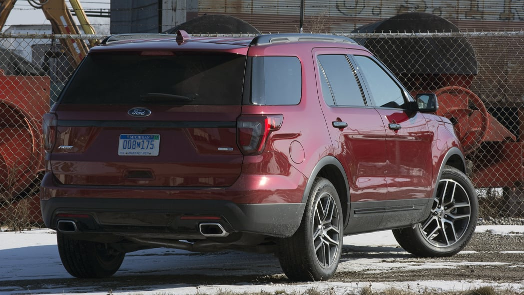 2016 Ford Explorer Sport rear 3/4 view