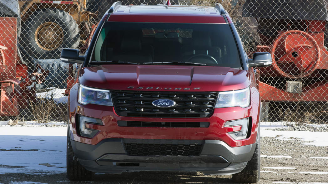 2016 Ford Explorer Sport front view