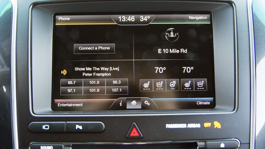 2016 Ford Explorer Sport infotainment system