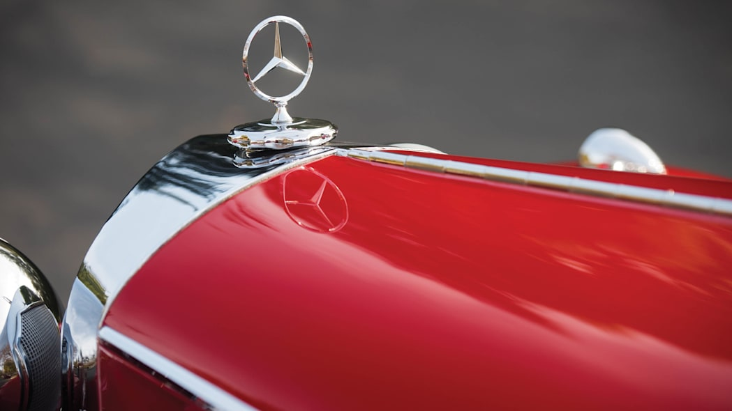 1937 Mercedes-Benz 540K Special Roadster hood ornament