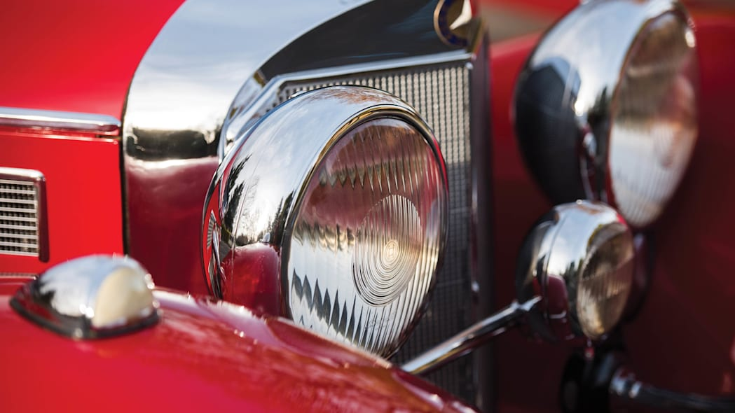 1937 Mercedes-Benz 540K Special Roadster lights