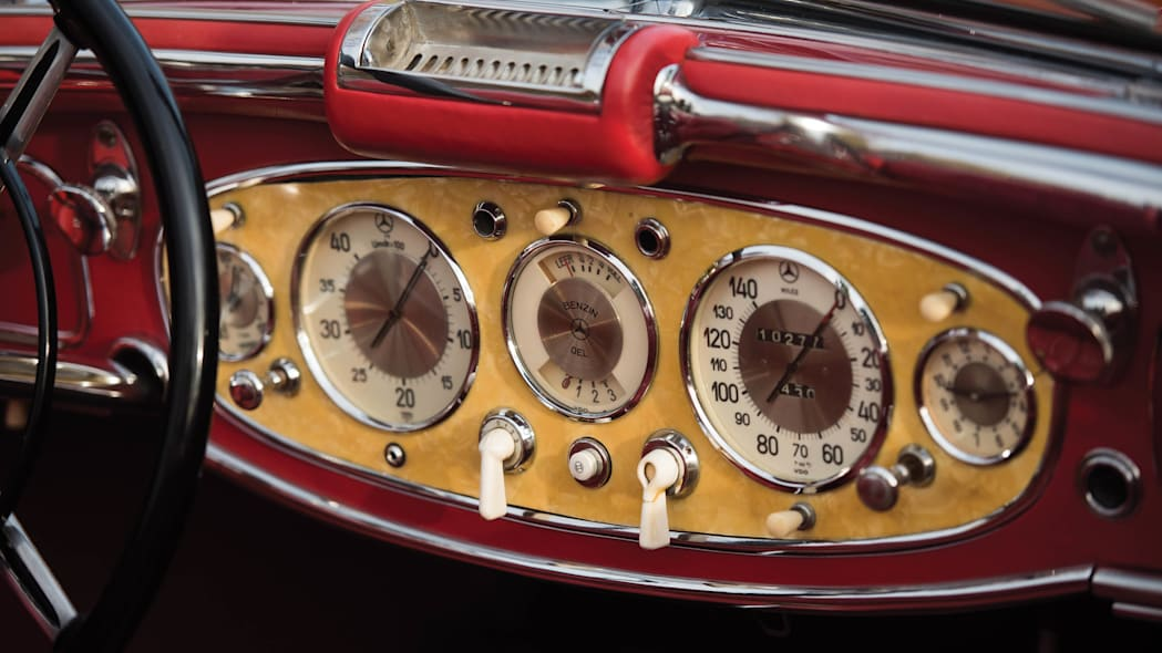 1937 Mercedes-Benz 540K Special Roadster dashboard