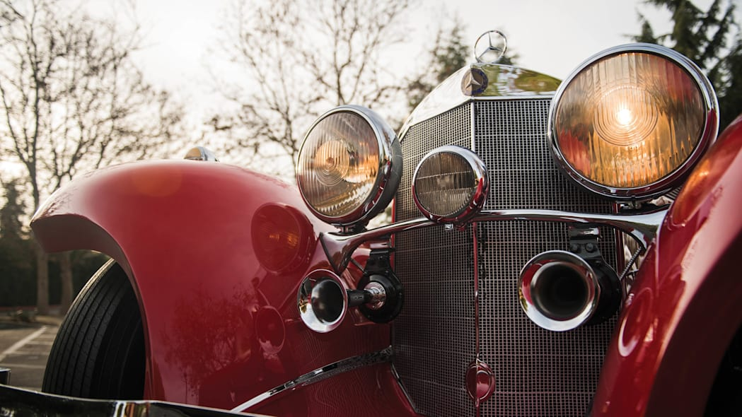1937 Mercedes-Benz 540K Special Roadster grille lights