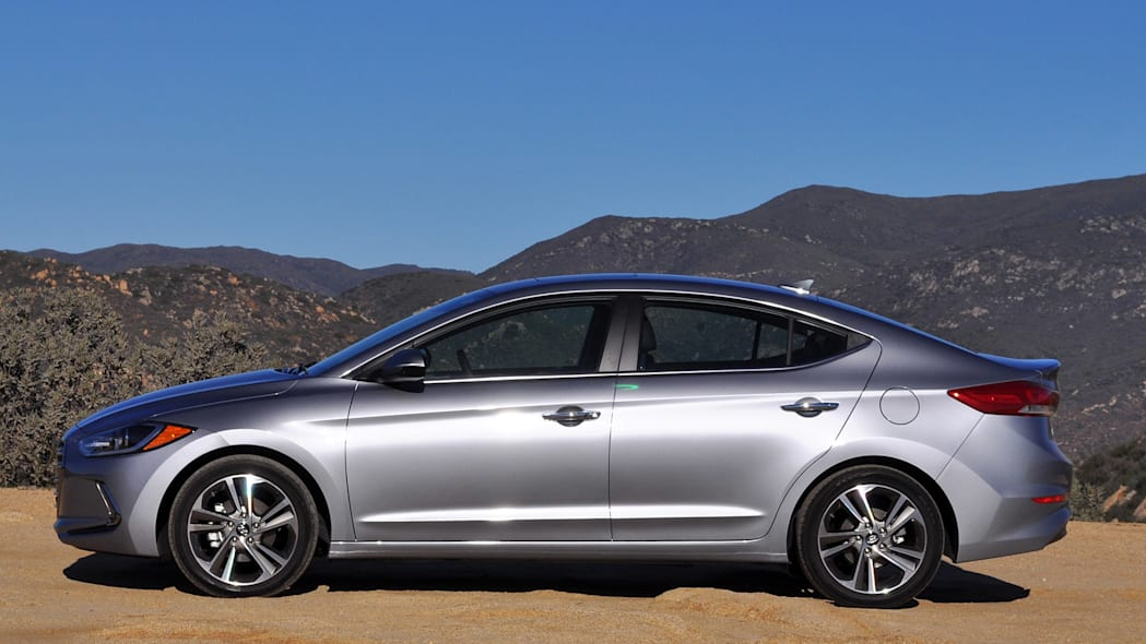 2017 Hyundai Elantra side view