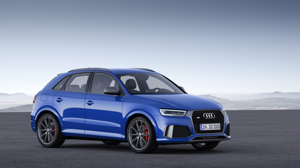 Audi RS Q3 Performance static front 3/4