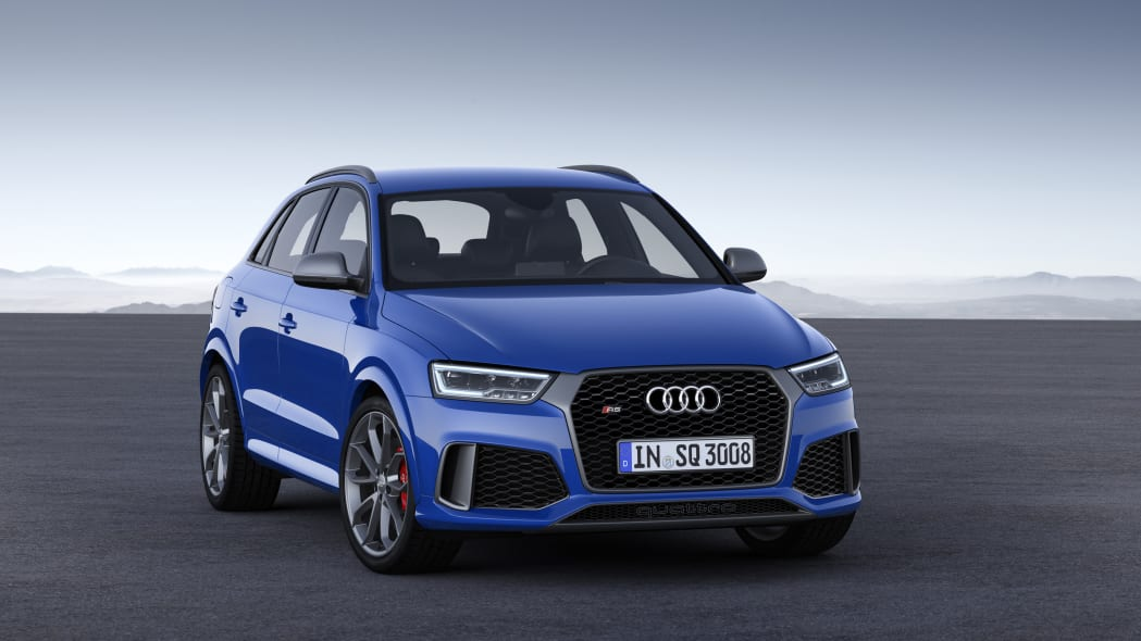 2016 Audi RS Q3 Performance static front 3/4