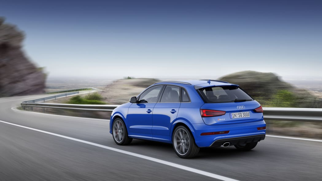 2016 Audi RS Q3 Performance moving rear 3/4