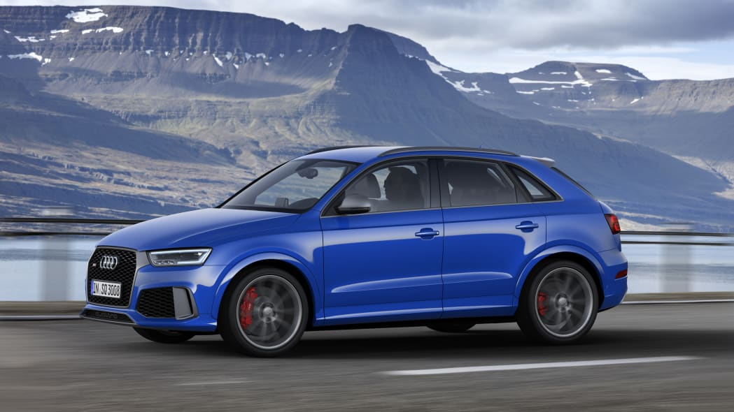 2016 Audi RS Q3 Performance moving front 3/4