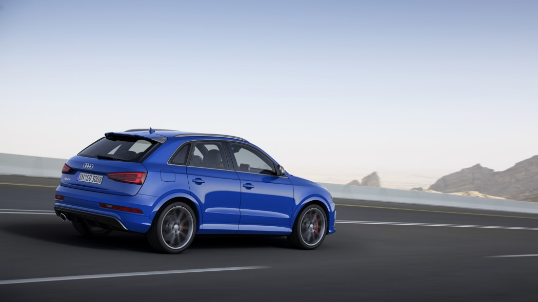 Audi RS Q3 Performance moving rear 3/4