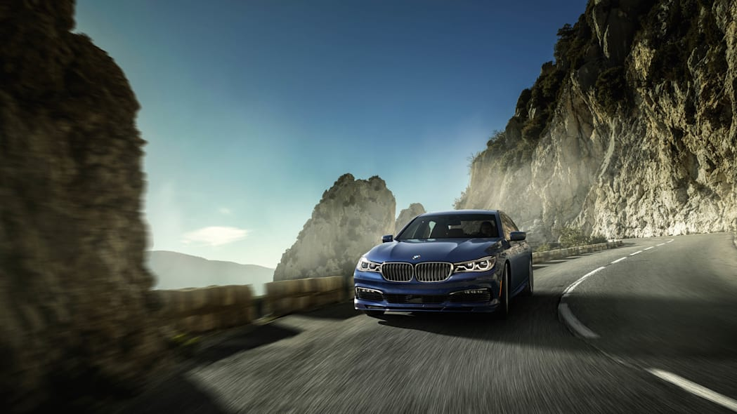 2017 BMW Alpina B7 xDrive front motion