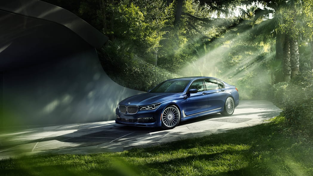 2017 BMW Alpina B7 xDrive front 3/4 static