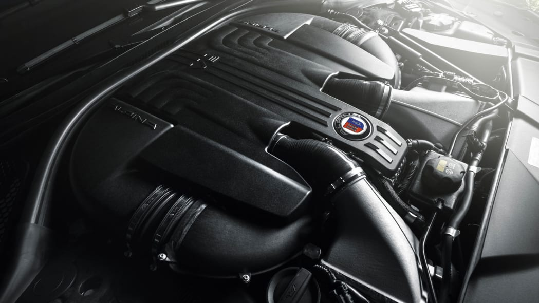 2017 BMW Alpina B7 xDrive engine