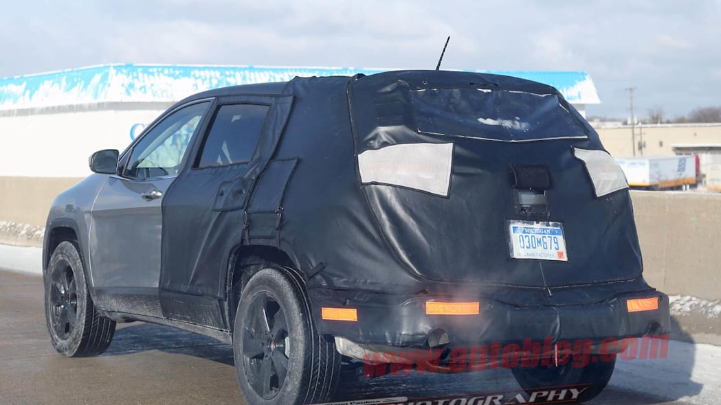 Jeep Cherokee stretched wheelbase prototype rear 3/4
