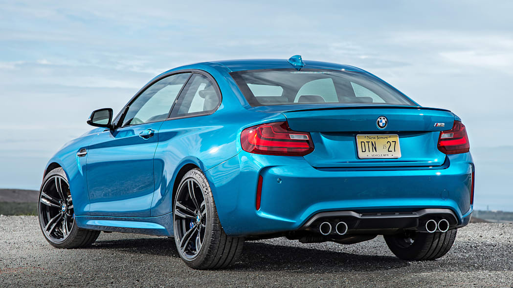 2016 BMW M2 rear 3/4 view