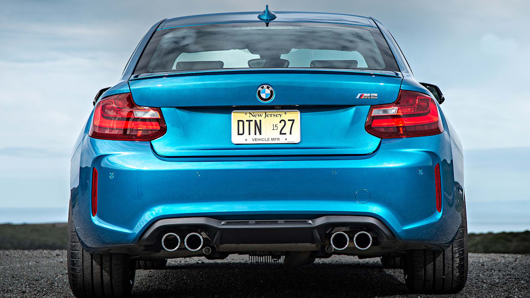 2016 BMW M2 rear view