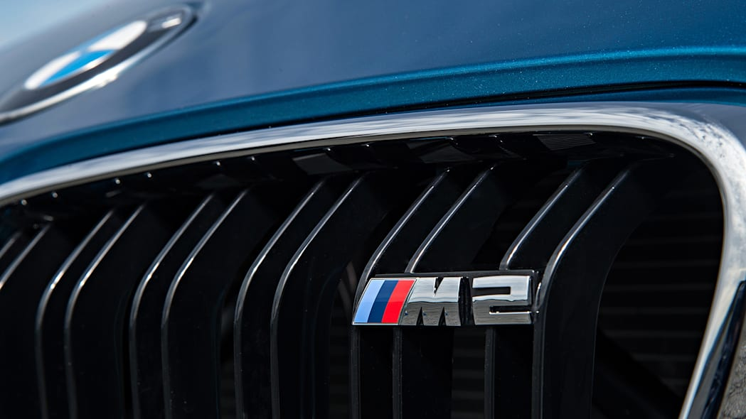 2016 BMW M2 badge