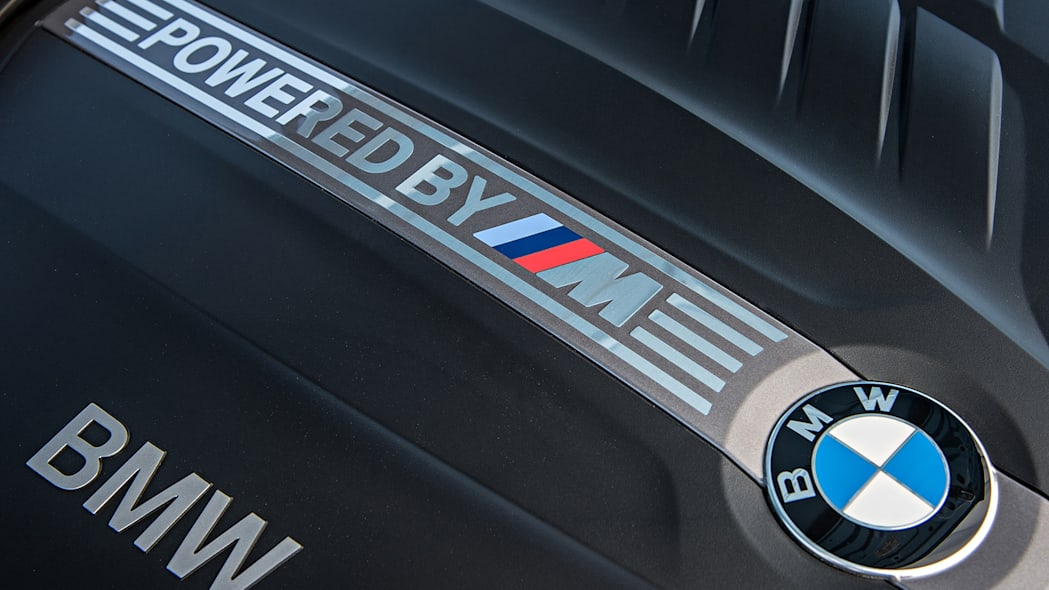 2016 BMW M2 engine detail