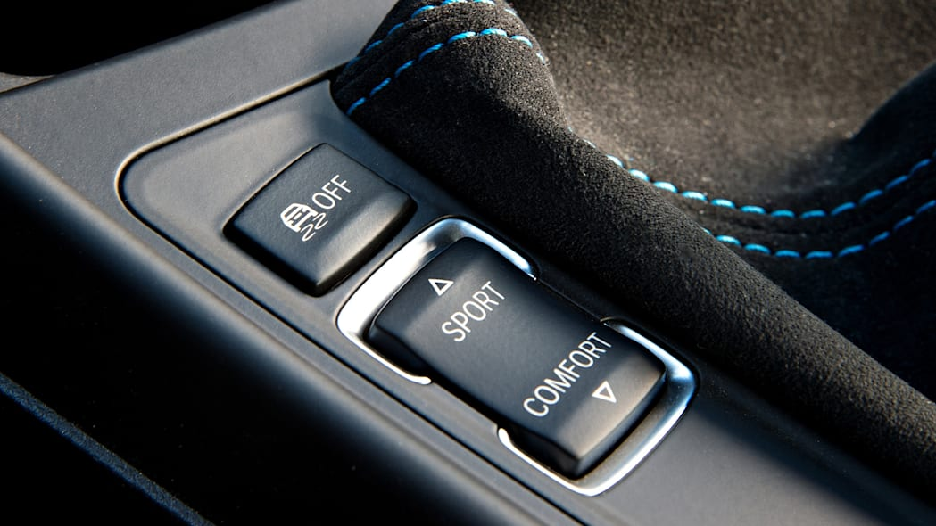 2016 BMW M2 drive mode controls
