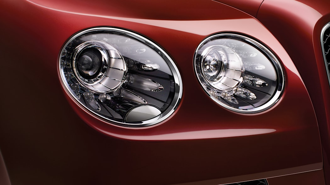 2016 Bentley Flying Spur V8 S headlights