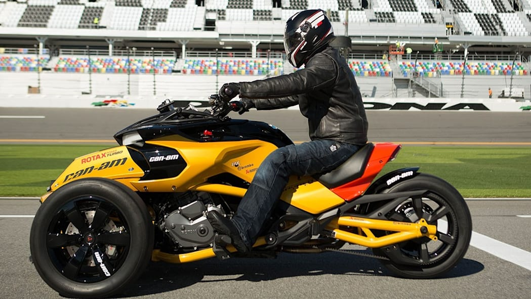 can-am spyder f3 turbo concept side