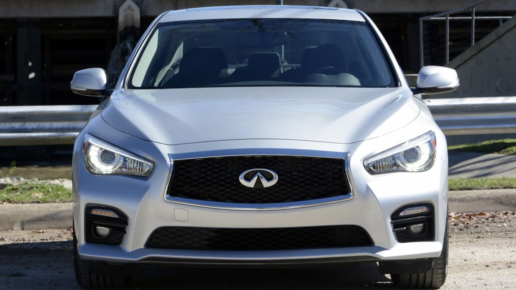 2016 Infiniti Q50 Red Sport 400 front view