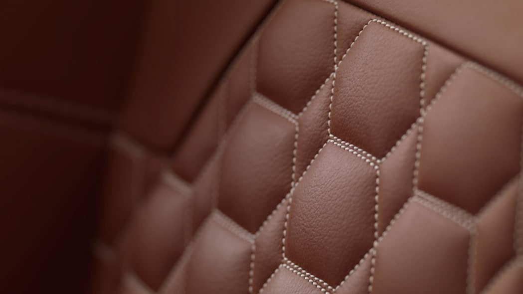 Spyker C8 Preliator leather quiliting stitching