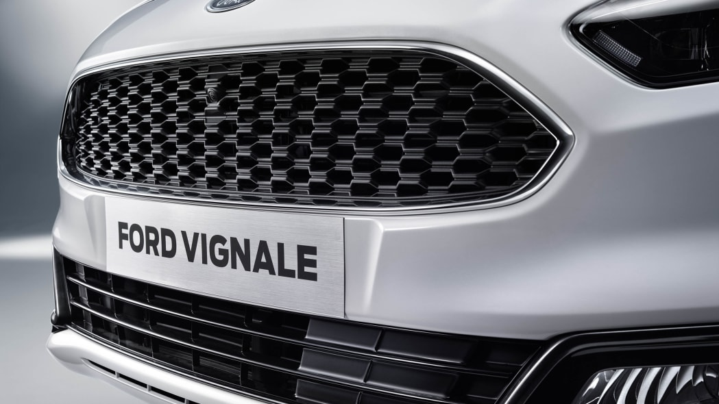 Ford S-Max Vignale grille