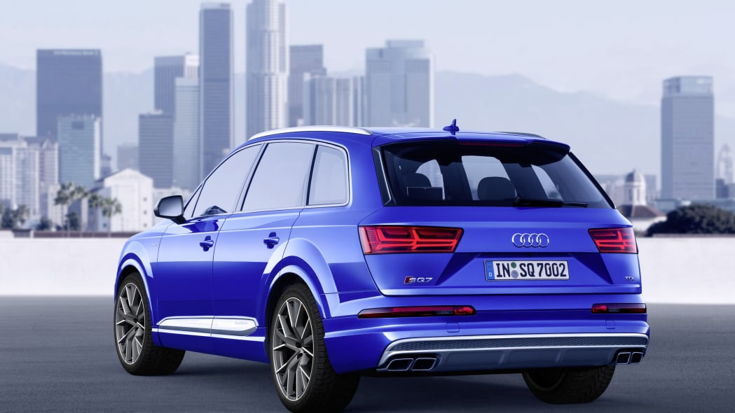 Audi SQ7 TDI static rear 3/4