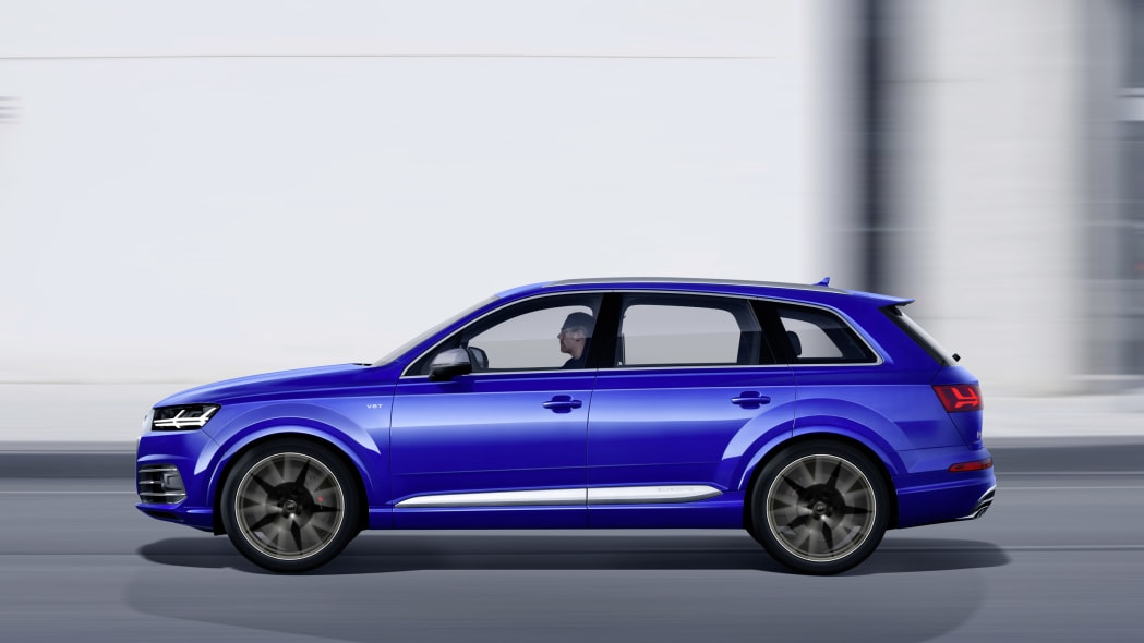 Audi SQ7 TDI moving profile