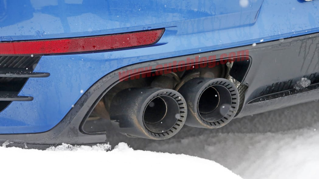 2018 Porsche 911 GT2 RS spied exhaust pipes