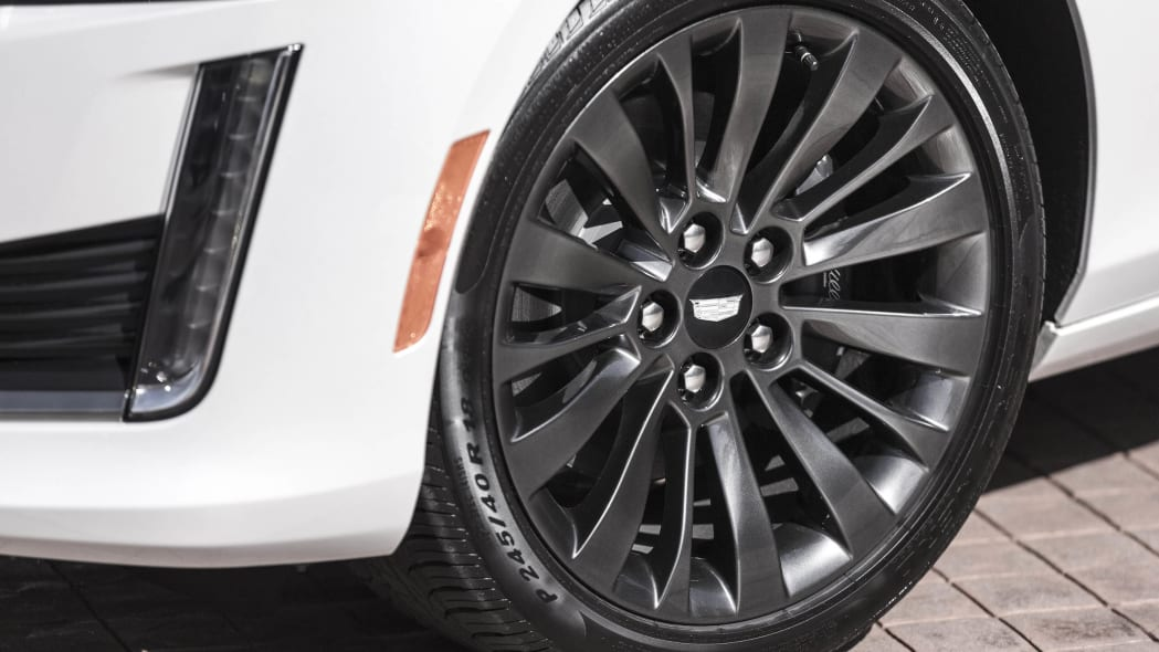 Cadillac CTS with Black Chrome Package wheel