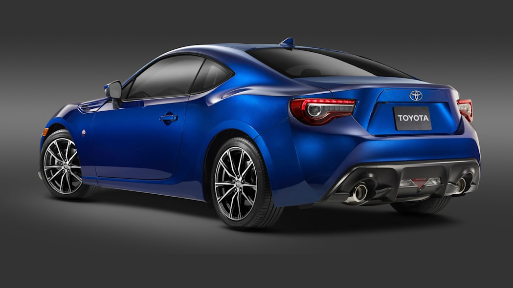 2017 toyota 86 front rear