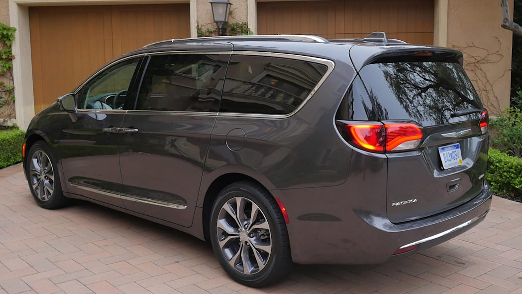 2017 Chrysler Pacifica rear 3/4 view
