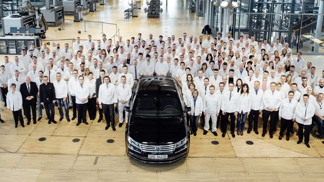 Final Volkswagen Phaeton at Transparent Factory