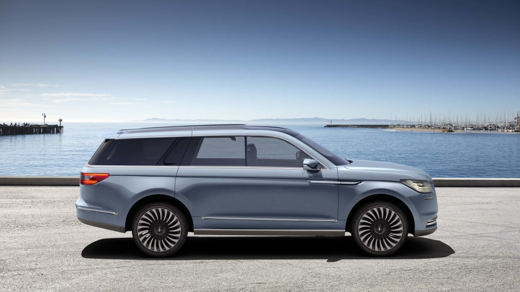 lincoln navigator concept side