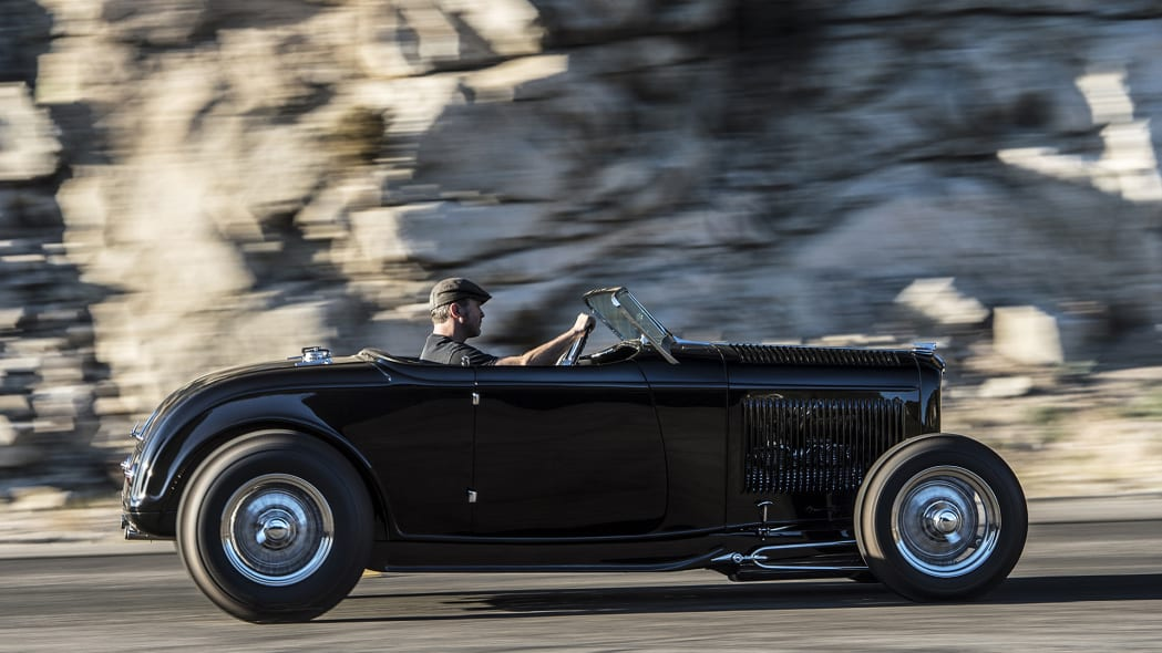 Hollywood Hot Rods 1932 Ford Roadster driving