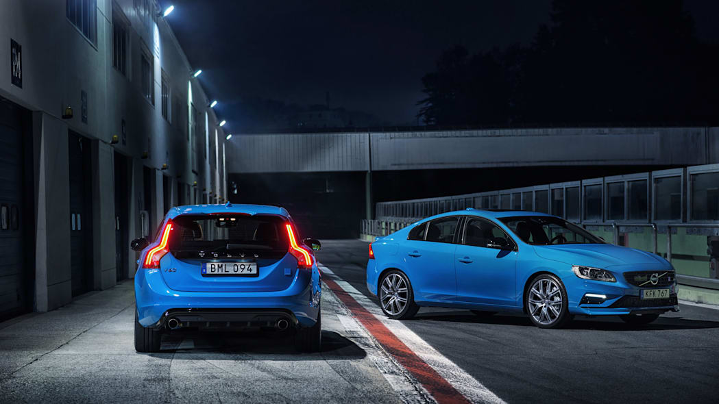 2017 volvo s60 and v60 polestar on track