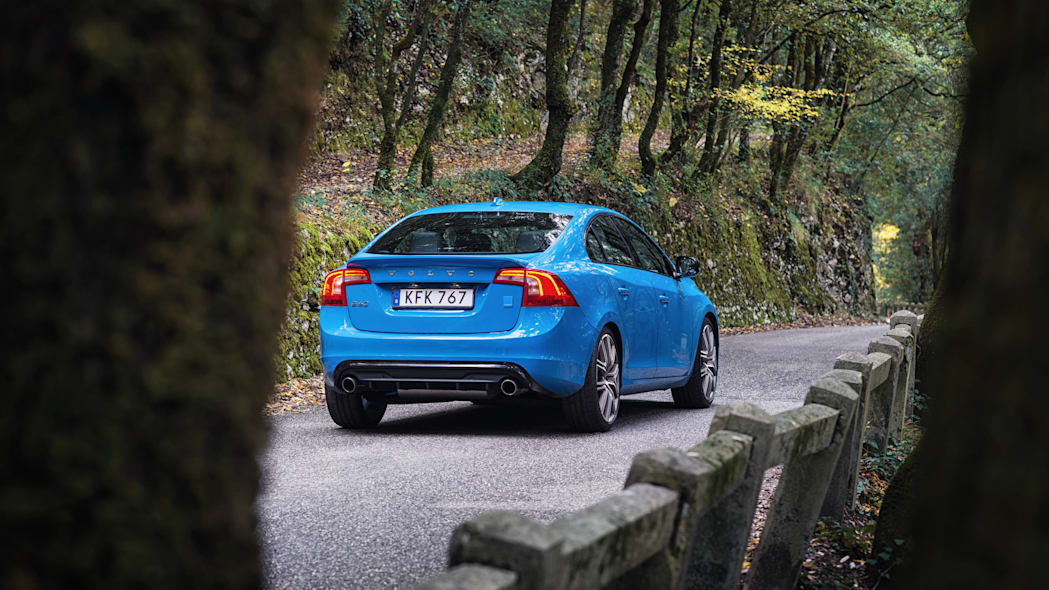 2017 volvo s60 polestar rear forest