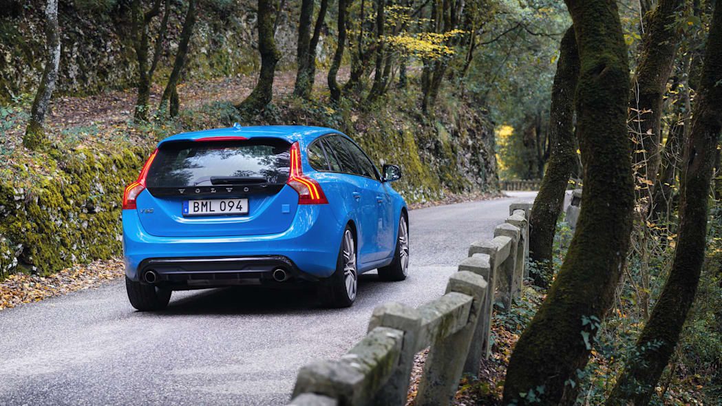 2017 volvo v60 polestar rear forest