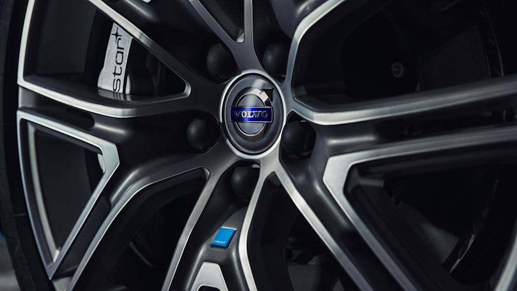 2017 volvo v60 and s60 polestar wheel detail