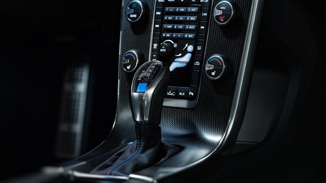 2017 volvo v60 and s60 polestar gearshift
